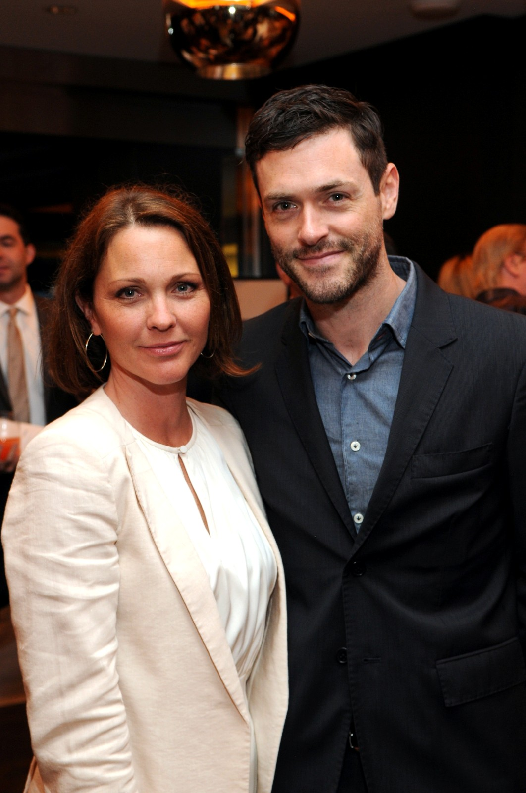 Kelli Williams and Brendan Hines shopping the silent auction